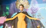 Trương Thị May nổi bần bật với áo dài tỏa sáng trên sàn diễn với vị trí vedette