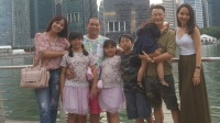 Minh Khang - Thúy Hạnh 'rủ rê' gia đình Hoàng Bách sang Singapore kỷ niệm 10 năm ngày cưới