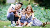 Gia đình là nơi để về, Khánh Thi - Phan Hiển chỉ cần bình yên bên con trai
