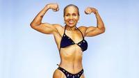 Cụ bà 'thể hình' tuổi 80 truyền cảm hứng rèn luyện cho giới trẻ