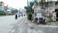 Thêm một ngôi nhà kỳ dị 'ôm trọn vỉa hè' ở Hà Nội