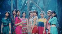 TWICE ra MV mới: 'Rắc thêm muối' cho bớt nhạt nào!