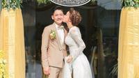 Cuối cùng Hải Băng chịu tiết lộ ảnh lên xe hoa với Thành Đạt nhân dịp kỷ niệm 1 năm đính hôn