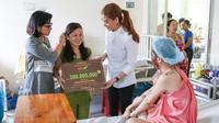 Vụ Trương Ngọc Ánh bị tố 'quỵt' 300 triệu tiền từ thiện: Được hỗ trợ gói phẫu thuật thẩm mỹ nhưng lại muốn đòi tiền mặt?