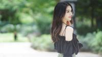 Ngẩn ngơ trước vẻ yêu kiều của 'bông hồng lai' xinh đẹp bậc nhất Đại học Vũ Hán