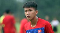 Bảo Toàn lập siêu phẩm giúp U18 Việt Nam đè bẹp U18 Philippines