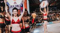 Ngọc Trinh làm ring girl, khoe đường cong 'chết người' tại giải võ thuật