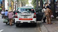 Clip: 'Đại chiến' giữa taxi truyền thống và Uber - Grab, lựa chọn của khách hàng như thế nào?