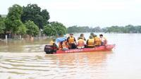 Hà Nội: Vỡ đê ở Chương Mỹ nhấn chìm nhiều nhà dân