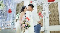'Người không phổi' của HAGL lãng mạn khóa môi bạn gái kỷ niệm 2 năm tình yêu