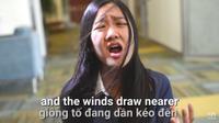 Cười ngất với 'Em gái mưa' phiên bản tả thực bằng… tiếng Anh siêu lầy lội của nữ sinh gốc Việt