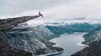 Sự thật đằng sau những bức ảnh 'ảo diệu' thu hút du lịch nhất thế giới ở Trolltunga, Na Uy