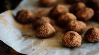 Cách làm món bột viên vừa ngon miệng vừa tốt cho sức khỏe từ sô cô la và hạt chia