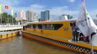 Người Sài Gòn háo hức xếp hàng trải nghiệm tuyến buýt đường sông đầu tiên