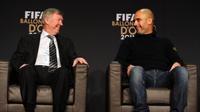 Guardiola bỏ lỡ cơ hội dẫn dắt Man United vì… 'dốt' tiếng Anh