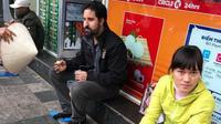 Triệu tập gã đánh giày, cô bán bánh 'chặt chém' khách nước ngoài với giá 'cắt cổ'