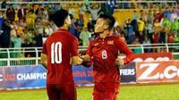 U23 Việt Nam - U23 Australia: 'Song sát' Công Phượng và Quang Hải gây chấn động châu Á?