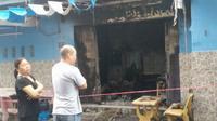 Cháy nhà lúc rạng sáng, giải cứu 2 cụ già mắc kẹt bên trong, 4 xe máy bị thiêu rụi