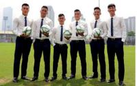 Tuyển tập trọn bộ ảnh U23 Việt Nam mặc sơ mi trắng khiến fan nữ 'rụng rời'