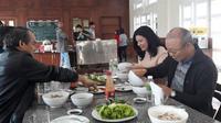 Bầu Đức đãi HLV Park Hang Seo ăn đặc sản Gia Lai