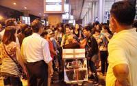 Loạt ảnh biển người ở sân bay Tân Sơn Nhất những ngày cận Tết Nguyên đán 2018