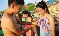 Lễ hội hẹn hò quái dị ở Trung Quốc: Đàn ông đo vòng ngực của con gái để tìm người yêu