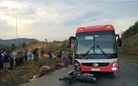 Va chạm với xe khách do chạy ngược chiều, hai vợ chồng tử vong tại chỗ
