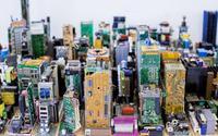 Dành 3 tháng đi nhặt 'rác' điện tử, thanh niên 17 tuổi xây thành phố thu nhỏ khiến ai nấy đều sốc