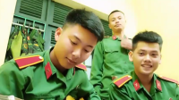 Hội con gái cao mét rưỡi 'sướng rơn' khi xem clip các anh bộ đội hát ca khúc 'cô gái 1m52'