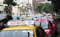 Khách du lịch Trung Quốc đại tiện ngay trên taxi, ương bướng không trả phí làm sạch