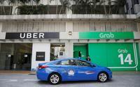 Trước ngày Uber sáp nhập vào Grab: Người tiêu dùng hoang mang, lái xe 2 hãng lo lắng chuyện độc quyền