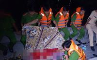 Lật sà lan trong đêm, 3 mẹ con chết ngạt trong cabin