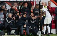 M.U 'nổi sóng': Pogba không thèm bắt tay… Mourinho!
