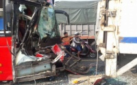 Tai nạn liên hoàn khiến 2 người bị thương nặng, giao thông ách tắc hơn 5km