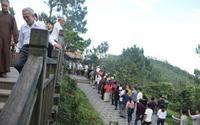 Hàng chục ngàn lượt người viếng mộ Đại tướng Võ Nguyên Giáp