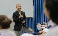 Giáo sư Mỹ không đủ chuẩn làm Hiệu trưởng ĐH ở Việt Nam - Điều gì 'ngáng chân' ông Trương Nguyện Thành?
