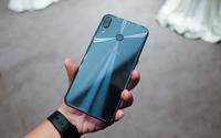 Cận cảnh ZenFone 5 vừa ra mắt tại VN: Thiết kế bóng bẩy, màn hình 'tai thỏ' và camera cao cấp