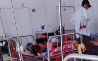 Cặp đôi ngang nhiên ôm hôn nhau tại giường bệnh viện giữa bốn bề bệnh nhân