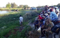 Hàng trăm người theo dõi tìm kiếm thi thể nam thanh niên đuối nước trên sông Bàn Thạch