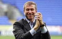 Ông chủ Chelsea từ chối bán đội bóng cho người giàu nhất nước Anh