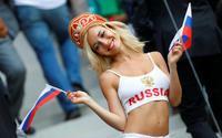 Cô vợ trong mơ mùa World Cup: Mang mèo dọn sang nhà chị ở, dặn chồng cách 'sống sót' vô cùng chi tiết!