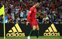 Ronaldo lập hattrick vào lưới De Gea: 'Kịch sĩ' hay 'siêu nhân'?