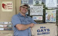 Chủ cửa hàng gây phẫn nộ vì thẳng thừng thông báo: 'Đồng tính không được chào đón ở đây'