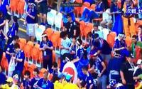 CĐV Nhật Bản khiến quốc tế ngả mũ khi nán lại khán đài dọn rác sau trận đấu