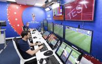 Thông tin giữa trọng tài và công nghệ gây tranh cãi V.A.R được trao đổi như thế nào tại World Cup 2018?