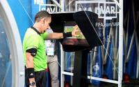 Công nghệ gây tranh cãi lớn tại World Cup 2018 V.A.R ra đời như thế nào?
