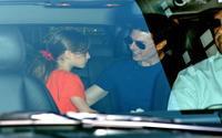 Sau gần 7 năm bỏ rơi, Tom Cruise đã quyết định gặp con gái khi thấy cô bé bán nước chanh ở lề đường