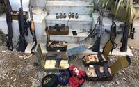 Tin mới nhất vụ vây bắt trùm ma túy ở Lóng Luông: Phát hiện 3 thi thể trên tay cầm súng tại 'sào huyệt'