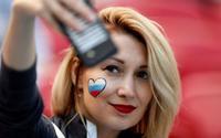 Dàn kiều nữ tuyển Pháp và Argentina tỏa sắc trên khán đài World Cup