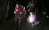 Khoảnh khắc kỳ diệu khi tìm thấy đội bóng nhí Thái Lan sau 9 ngày mắc kẹt trong hang